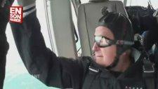 Bush 90'ıncı Yaş Gününde Paraşütle Atladı