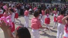 Penguen Dansı