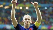 Ne yaptın sen Robben? Yok artık...