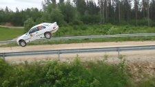 BMW M3 - Uçarak Zıplama