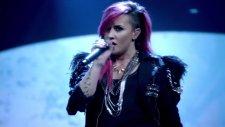 Demi Lovato - Heart Attack (Canlı Performans)