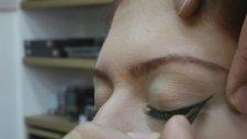 Nasıl Eyeliner Sürülür?