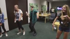 Justin Bieber Surprises Lucky Fans!just Dance 4