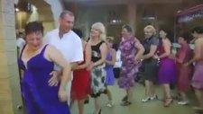 Penguen Dansı - Kopmak Garanti!!! :))