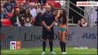 Rus ve İtalyalı Kızlar Bikinili Futbol Maçı Yaptı