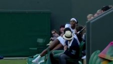 Serena Williams Tribünlere Uçtu