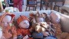 Kostüm Giymiş Sevimli Bebekler