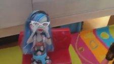 Monster High Türkçe Yeni Ghoulia Bölüm1