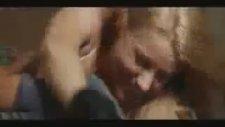 Asla Pes Etme'den Bir Sahne (Amber Heard & Sean Faris)