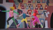 Sia - Chandelier (Canlı Performans)