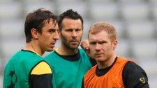 Ryan Giggs, Scholes Ve Neville'in Taktik Çalışması...