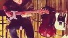 Kerem Bursin Gitar Çalıyor