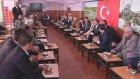 Cumhurbaşkanı Gül, Çay Bahçesinde Bingöllülerle Sohbet Etti.