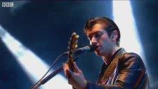 Arctic Monkeys - R U Mine ? (Live)