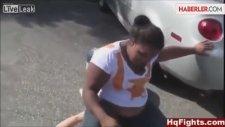 Kavga Ettiği Kızın Üzerine Oturdu