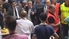 Gürcü Gazeteciler, Türklere Kamera Ve Tripotlarla Saldırdı