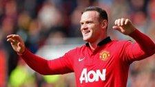 Rooney kornerden golü attı, van Gaal ona sarıldı