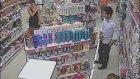 Kozmetik Dükkanında Hırsızlık Güvenlik Kamerasında - İstanbul