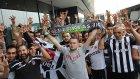 Beşiktaş'a Hollanda'da coşkulu karşılama