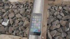 İphone 5s'in Üzerinden Tren Geçerse!