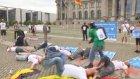 İsrail'in Gazze'ye saldırılarının protesto edilmesi - BERLİN