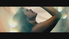 Selena Gomez - Come & Get It (Official Video)
