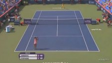 Tenis Maçında Sütyeni Koptu