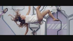 Ariana Grande - Feat. Zedd - Break Free