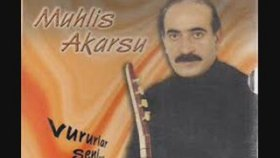 Muhlis Akarsu - Senmiydin Benim Garibim