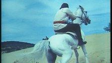 Kara Murat Atlar Zıplar Uçar - Cüneyt Arkın (Kara Murat Ölüm Emri)