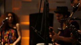 Elif Çağlar - Jamaica / #akustikhane #garajkonserleri