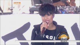 Jennifer Hudson - It's Your World & And I Am Telling You (Canlı Performans)