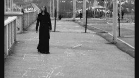 Nazan Öncel - Beni Bu Koca Şehirde Yalnız Bırakma