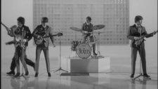 The Beatles - She Loves You (Türkçe Altyazı)