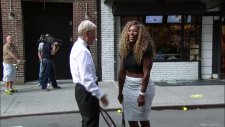 Serena Williams Camı Çerveveyi indirdi!