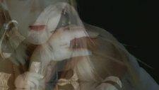 Yıldız Kaplan - Kağıt Kesiği