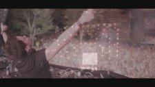 Gareth Emery Feat. Christina Novelli - Dynamite (Official Video) Lyrics
