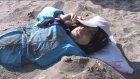 Türkiye'nin dört bir yanından gelip kumda şifa arıyorlar - ÇANAKKALE
