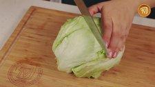Peynirli Ve Kekik Soslu Salata Tarifi
