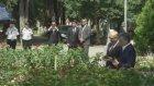 Gül, Erbakan'ın mezarını ziyaret etti (2) - İSTANBUL