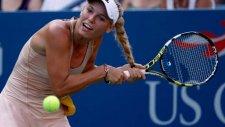 Ünlü Tenisçinin Saçıyla İmtihanı