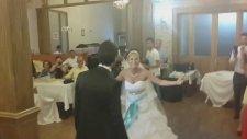 Harika Bir Düğün Girişi