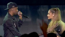 Ariana Grande Ft. Big Sean - Best Mistake (Canlı Performans)