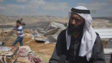 Ramallah'da İsrail'in Evlerini Yıktığı Filistinliler
