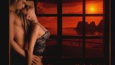 Tony Christie - Kiss In The Night
