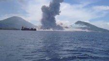Papua Yeni Gine'de Volkan Patlaması