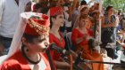 Van - Akdamar'da Ayin Sonrası Ermenice İlahiler Ve Dengbej Kadınlardan Kürtçe Şarkılar