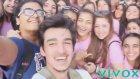 Sokaktakilerle Selfie Çekinen Eleman