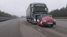 Volvo Tırın Müthiş Acil Fren Sistemi