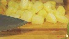 Ananaslı Böğürtlenli Meyve Salatası Tarifi
